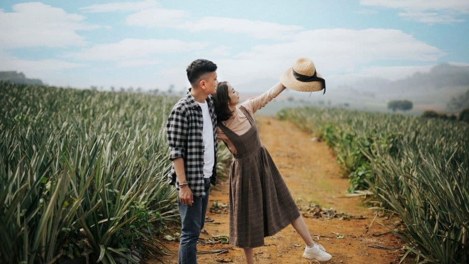 Premarital Counseling Before or After Engagement? [Pros and Cons]